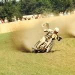 Tjalle Reitsma grasbaanracer in friese vlag motorpak