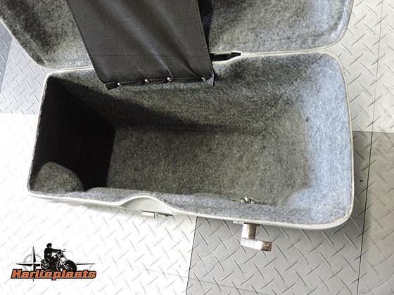 hard saddlebags fatbob primer binnenzijde