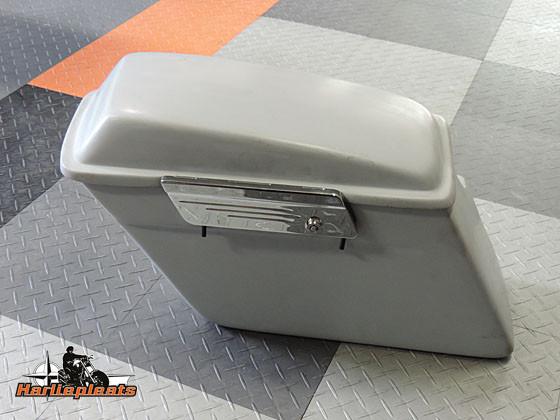 hard saddlebags fatbob primer voorzijde
