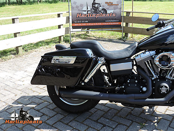 hard saddlebags vivid black fatbob