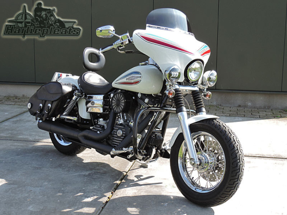 Batwing fairing memphis shades dyna fxd