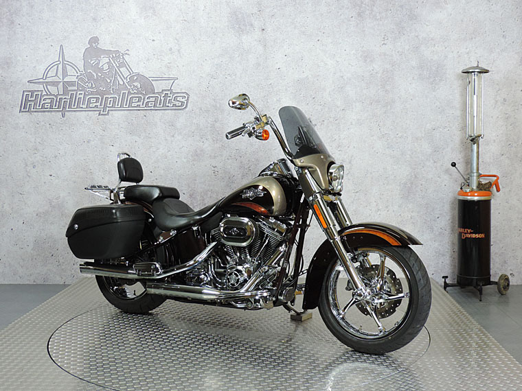 FLSTSE CVO softail convertible rechts dressed