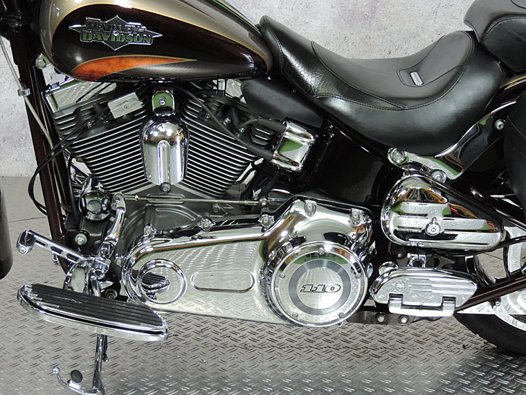FLSTSE2 CVO softail convertible primary